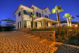 Lisbonne-Cascais   Villa T4+1   A Vendre   370m²